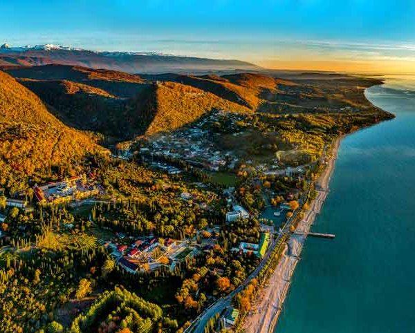 Экскурсия из Сочи в Абхазию